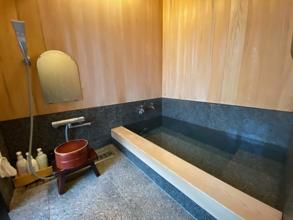 離れの宿和楽内風呂